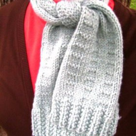 Free Knitting Scarf Patterns For Beginners : 7 Tutorials To Make The Perfect Scarf   craftbits.com