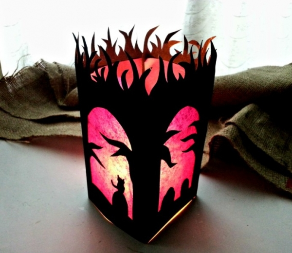 Make a Spooky Halloween Luminary