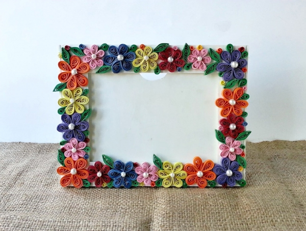 paper quilled frame
