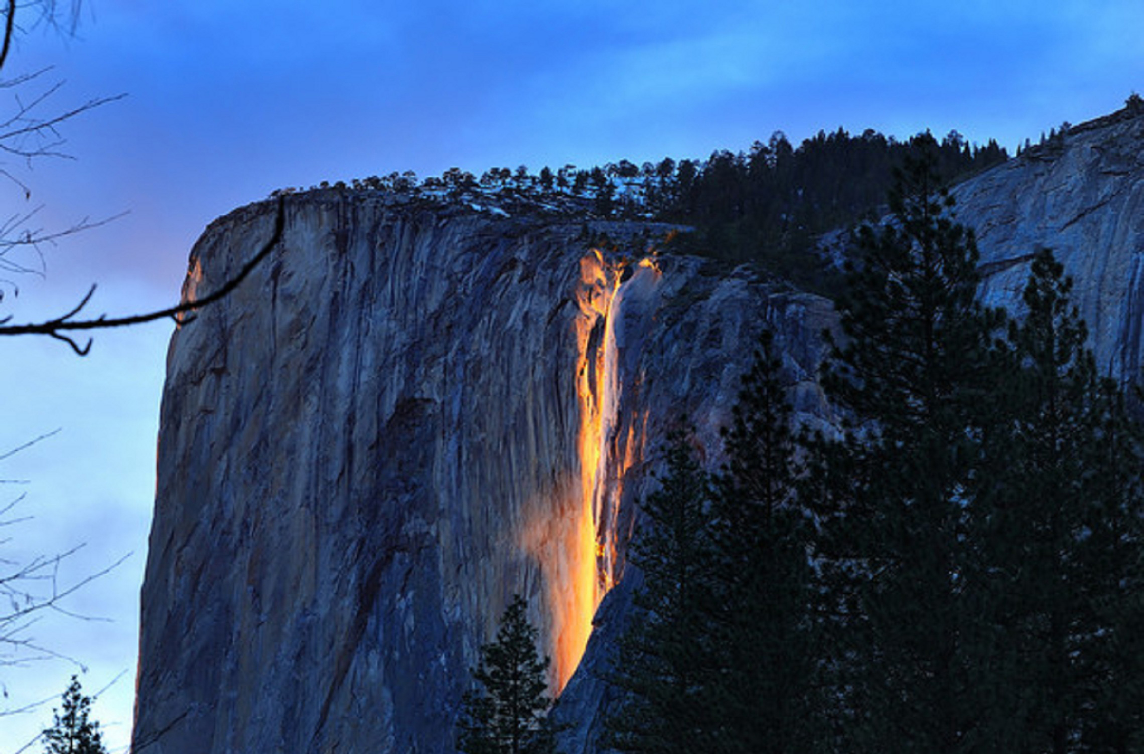 Yosemite Lava Falls Wallpaper Places Horsetail Fall El Capitan Yosemite Valley