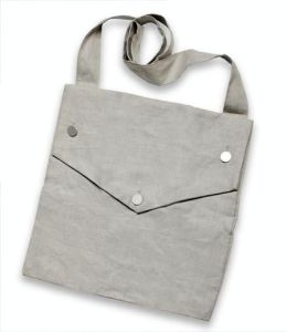 Linen three-buttoned Jas Townsend and Sons haversack from 1800s