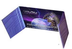 Player shield with alien Drusu used to shield information from other players in Chaosmos board game