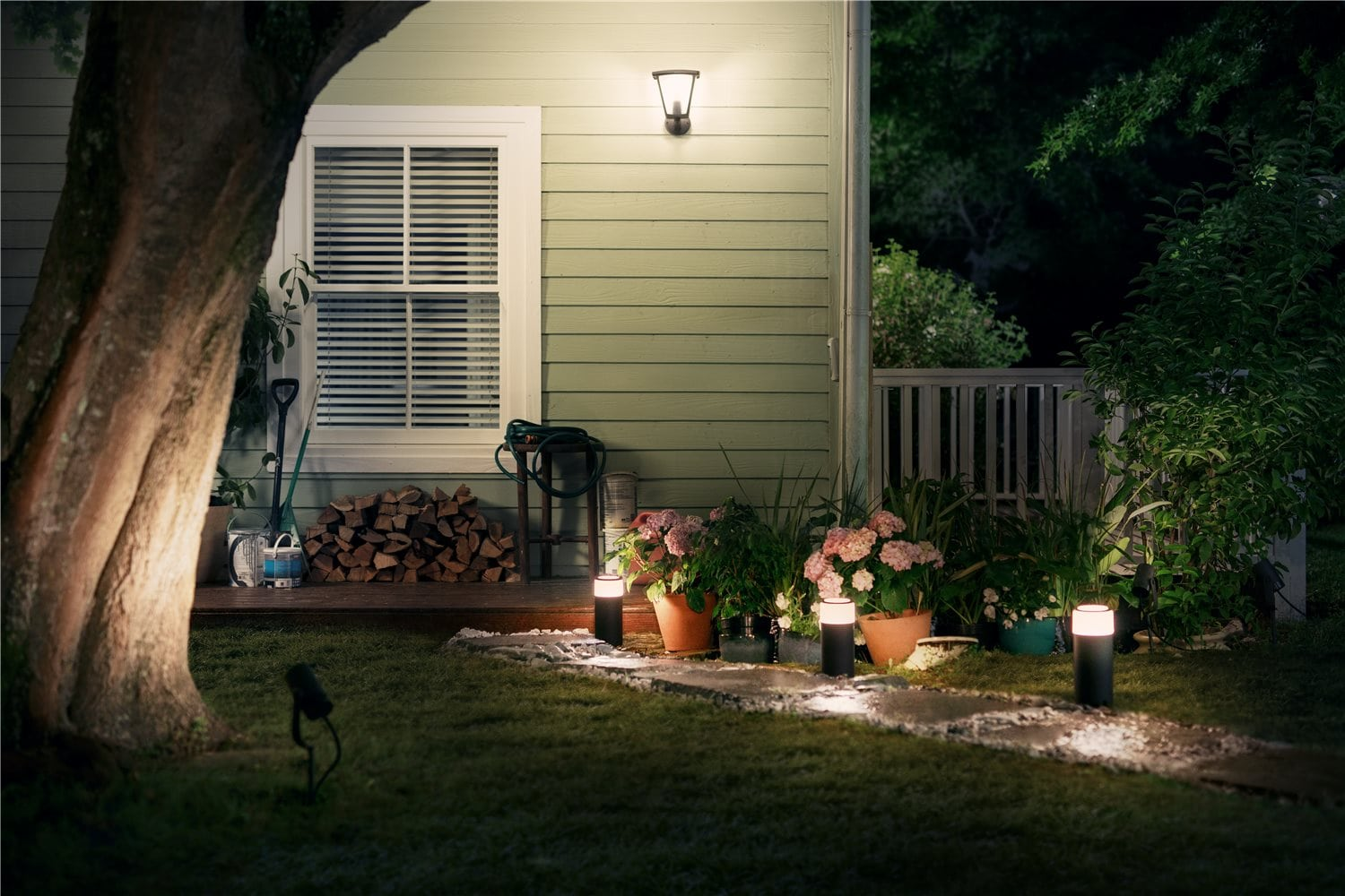 Jb Hi Fi Lighting Philips Hue Outdoor Range Is Available Now Bringing Smart Lights