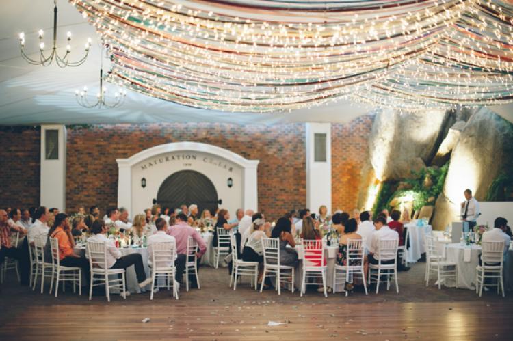 Wedding Ceremony Trend: Ribbon Canopies – Part I foto