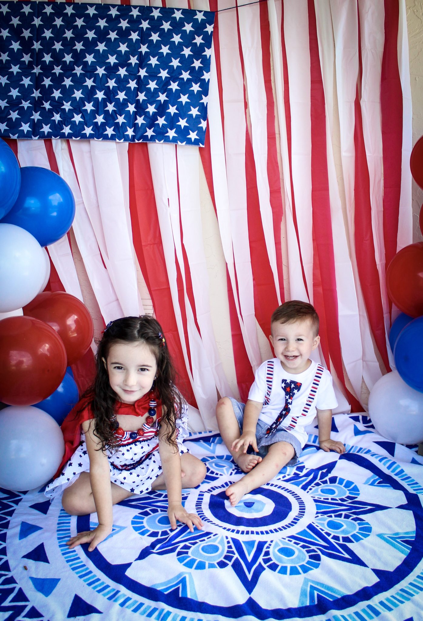 4th Of July American Flag Backdrop And Diy Confetti Poppers Crazy Life With Littles Diy Home Decor