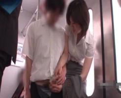 【逆レイプ動画】色気ムンムンなOLが電車で気弱そうな男性を逆レイプw言葉責めでチンコギンギンにww