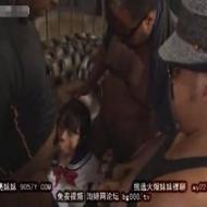 【ロリレイプ動画】黒髪女子高生が黒人の30cm級メガチンコ3本に犯し倒される地獄絵図・・・