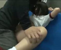 【ロリレイプ動画】不法侵入したキチガイが部活終わりの女子高生を倉庫に監禁して中出しレイプ・・・