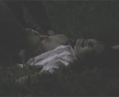 【ガチレイプ動画】「誰か助けて!!」夜道を一人で歩いている巨乳美人のJKを強姦!中出しして早々と立ち去るレイプ犯