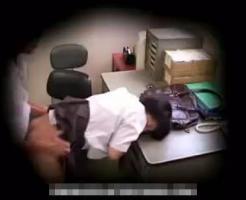 【ガチレ●プ動画】万引きで捕まったツインテールのJCが怒り狂った店長に中出しレ●プされる一部始終!