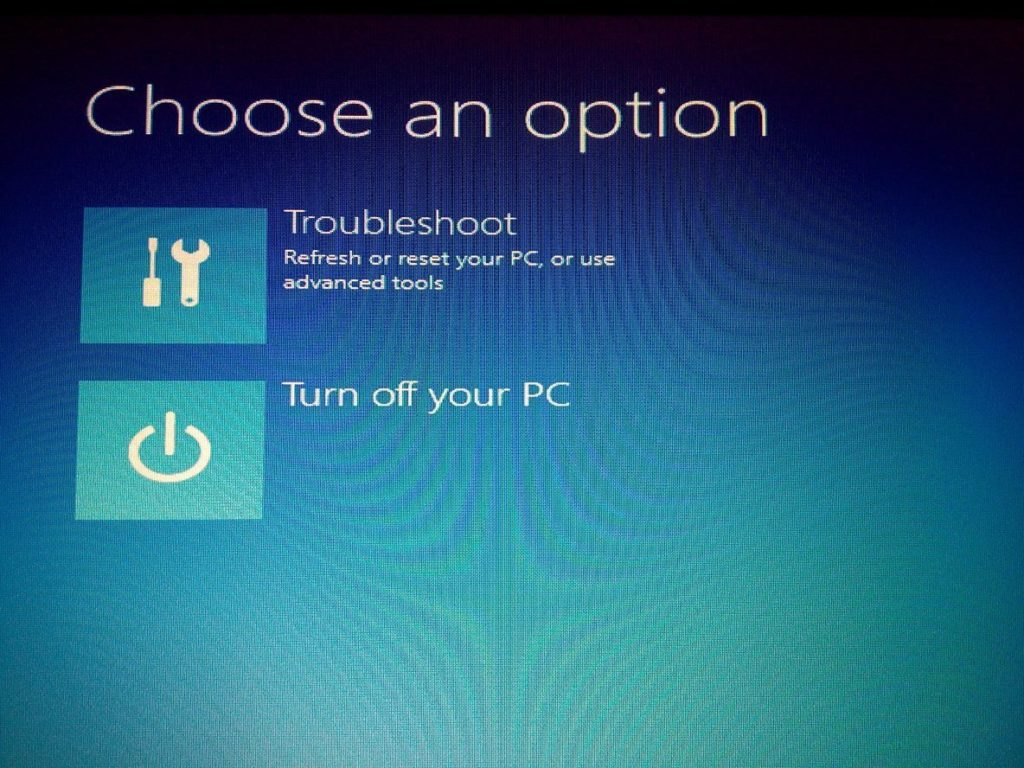 how to make a flash drive open automatically windows 10
