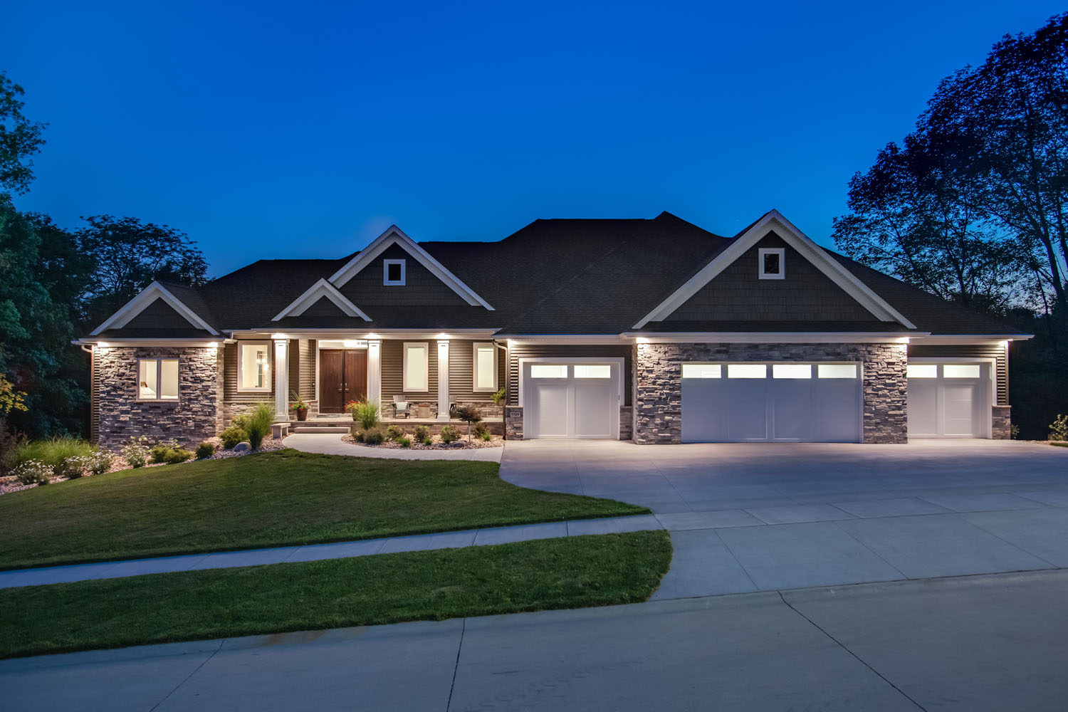 House Remodeling Contractors Near Me Crdr Homes Cedar Rapids Ia Custom Home Builder Remodeling