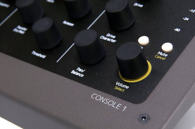 Each control is mapped to individual tools. We've seen that in DAW-specific controllers and production tools, but this is just for one mixing plug-in - the DAW choice is then up to you.
