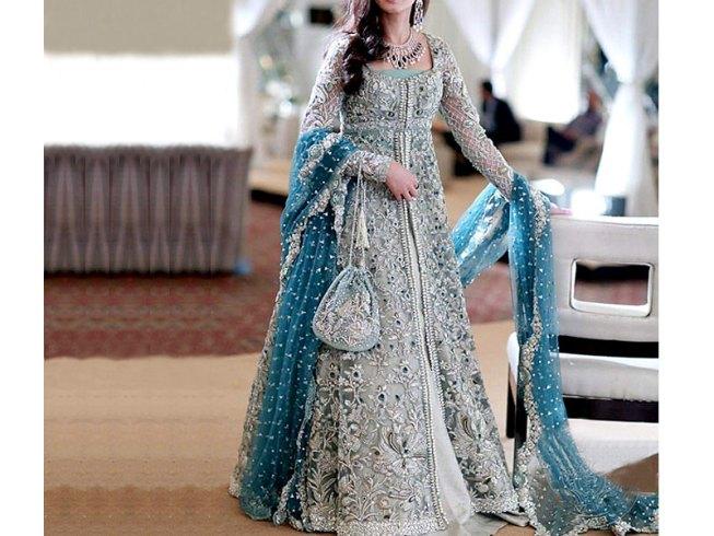 http://i0.wp.com/creativekhadija.com/wp-content/uploads/2016/08/designer-chiffon-dress.jpg?resize=653%2C490