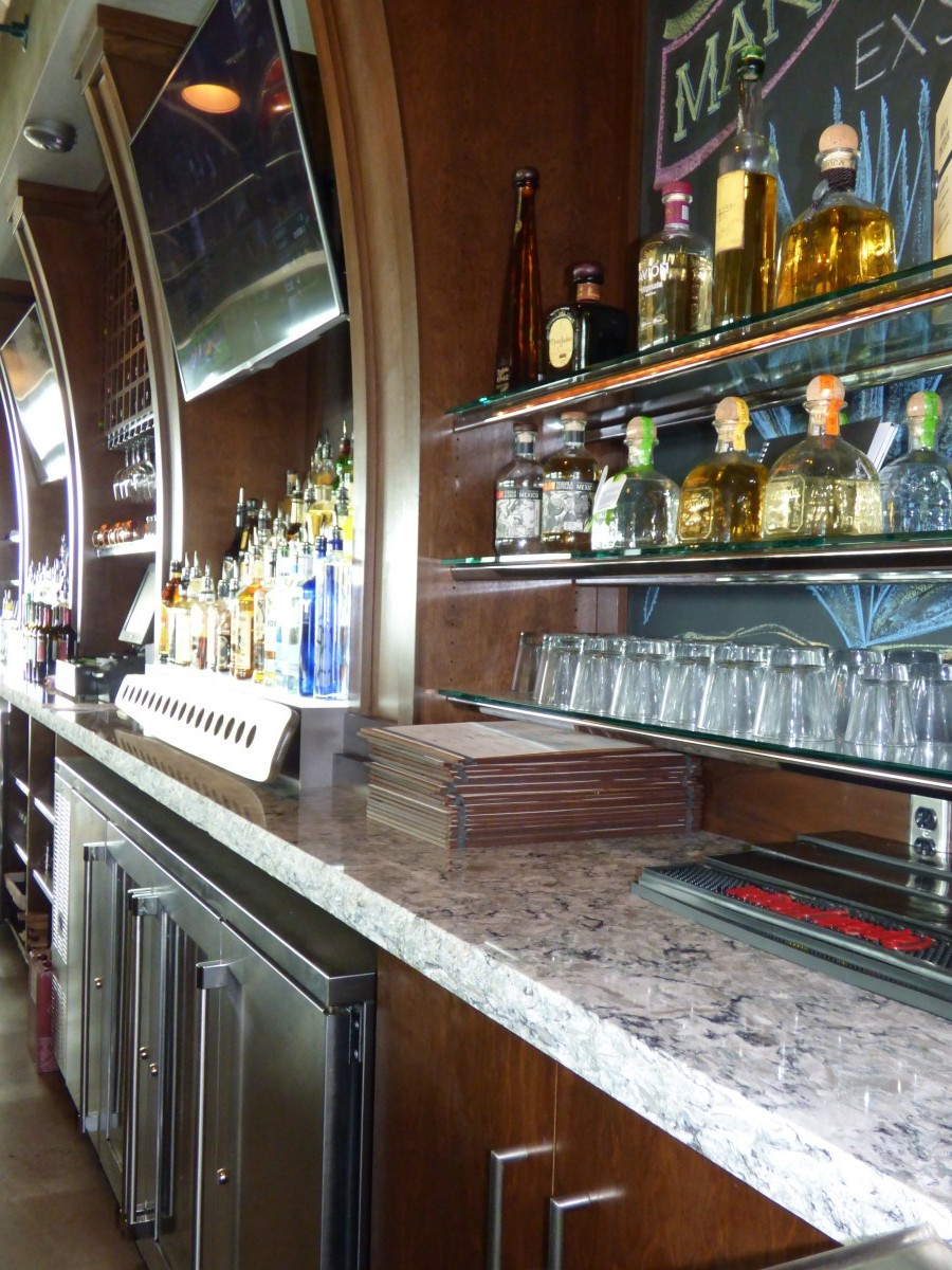 Bar En Pierre Custom Upscale Bar Cabinetry Creative Surfaces Sioux Falls