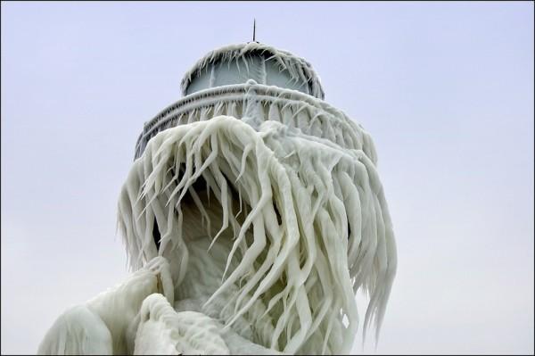 frozen-lighthouses-7[2]