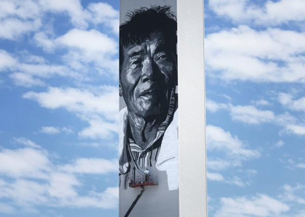 dezeen_Asias-Tallest-Mural-by-Hendrik-Beikirch_ss_2