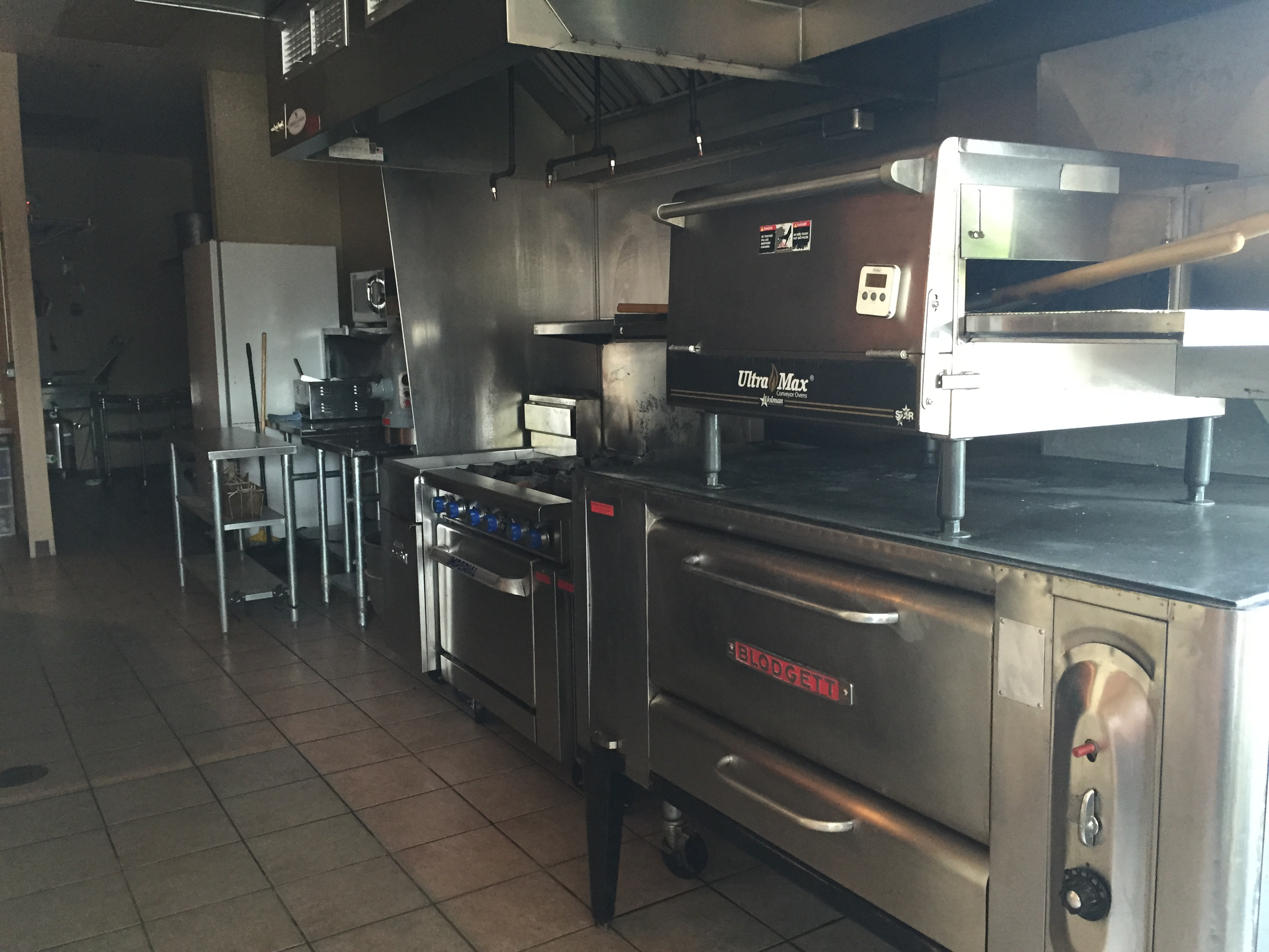La Cocina Restaurant Fox Lake Il Class A Retail Two Units Available Fox Lake Il 60020 Crichton