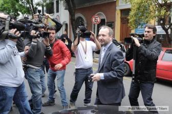 Sabatella al llegar a la sede de Clarín.