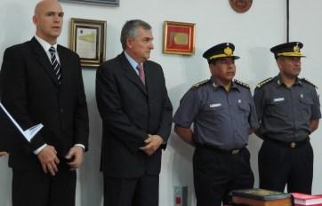 El gobernador Morales con los jefes renunciantes.