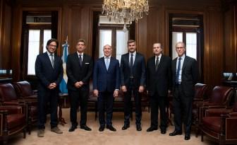 Los ministros del Ejecutivo con los ministro de la Corte.