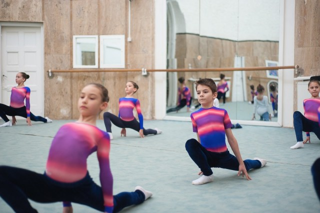 antrenament junioare gimnastica 54