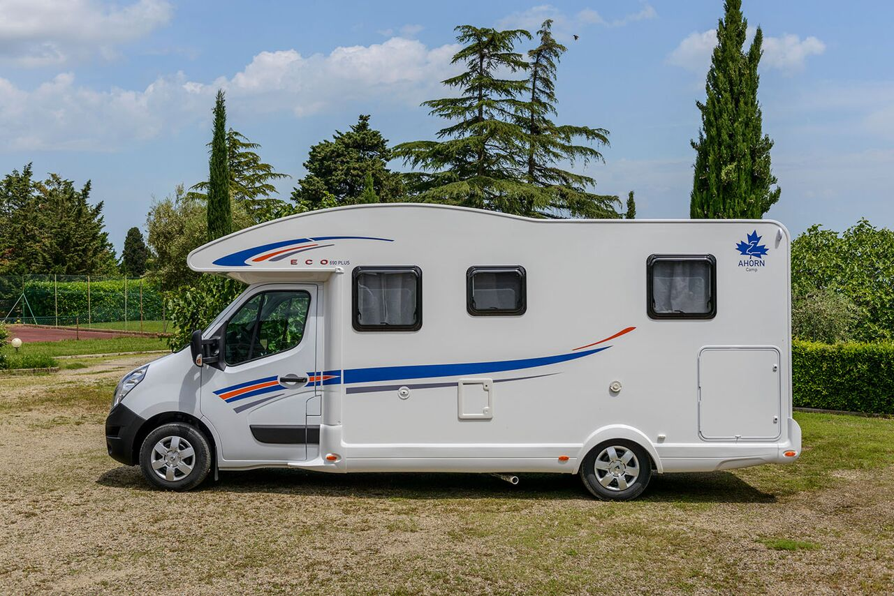 Soft Plus Ahorn Ahorn Eco 690 Croatia Camper Campervan And Motorhome Rental In