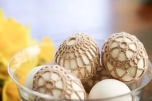 crochet covered easter eggs rocks
