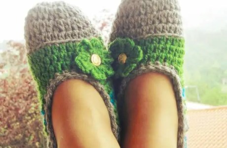 Free Pattern – Mommy Flats Crochet Slippers