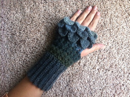 Its Handmade Free Crochet Pattern Dragon Gloves