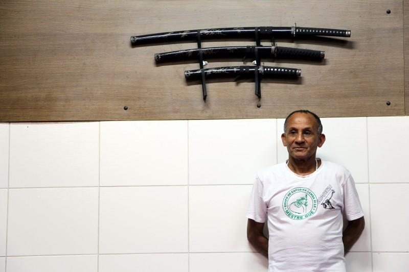 """Unser erster Caopeira-Meister aus Sao Paulo meinte zu uns: """"Meninas (=Mädels), geht nach Salvador"""" - Alles klar, machen wir. (© Lisa Altmeier und Steffi Fetz)"""