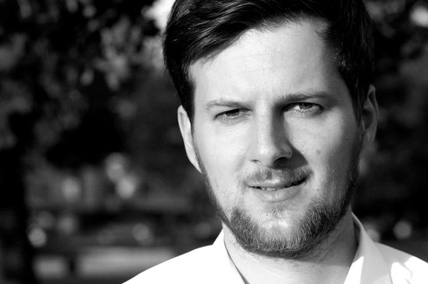 Martin Fuchs berät Regierungen, Parlamente, Parteien und Verwaltungen in digitaler Kommunikation. Außerdem bloggt er seit 2011 über Social Media in Politik und Verwaltung unter www.hamburger-wahlbeobachter.de.