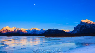 Vermilion Lakes 03 | 5K | Wallpaper | Crown Land Productions