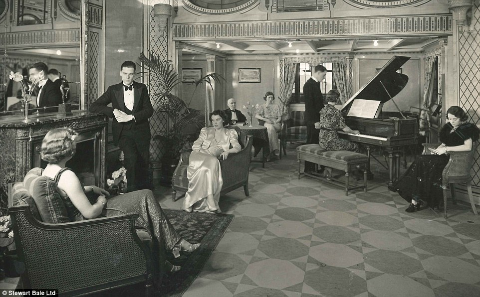Happy Christmas Aboard A Cunard Line Ship 1920s Cruising The Past