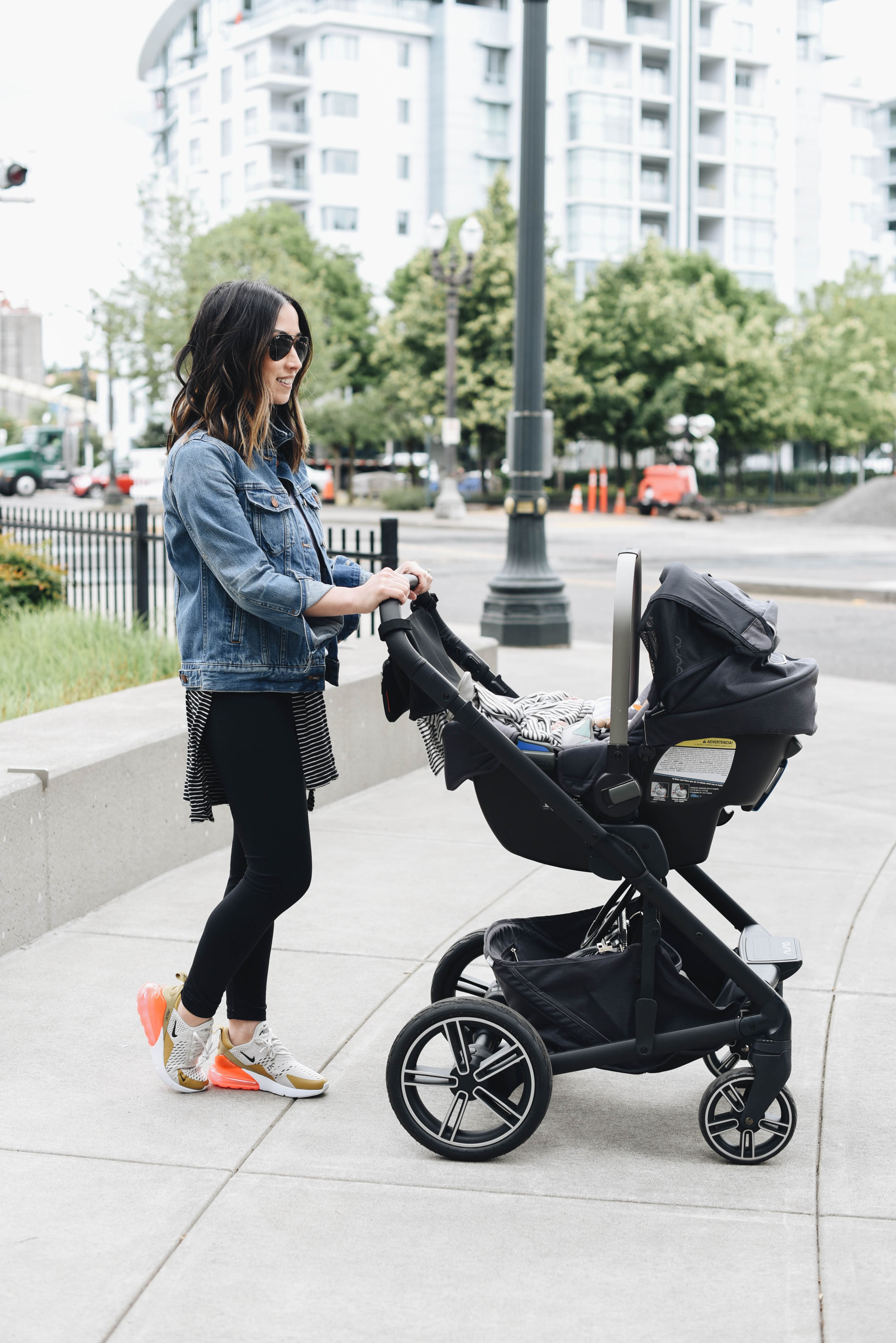 When To Switch From Car Seat To Stroller Nuna Mixx Stroller System Pipa Car Seat Set Review