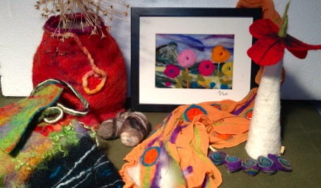 Firkser, Sue - Wet Felted Purse, Needle Felt Tapestry, Nuno Scarf (Social Media)_700x560