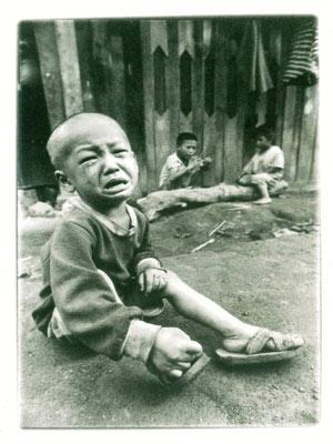 Niño cubano llorando
