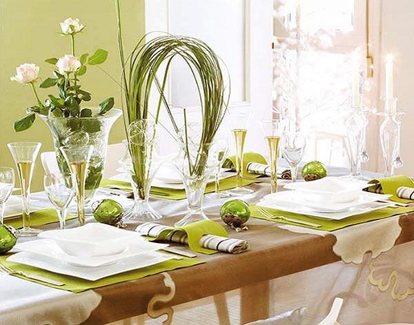Apparecchiare la tavola in verde