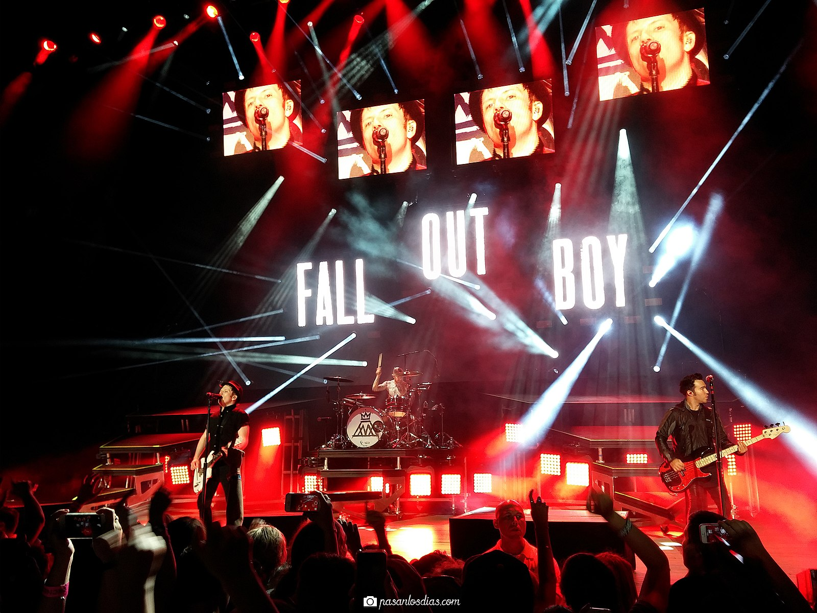 Fall Out Boy Mania Wallpaper What The Happened To Fall Out Boy A Retrospective