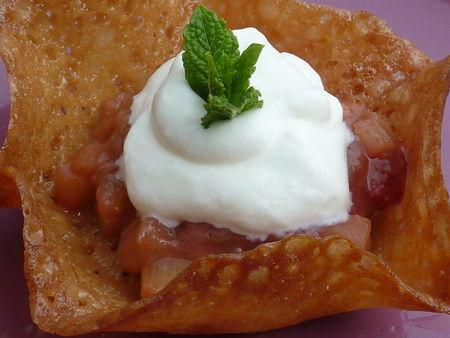 Compote fraises-rhubarbe et sa corolle au miel - Cuisine de Deborah