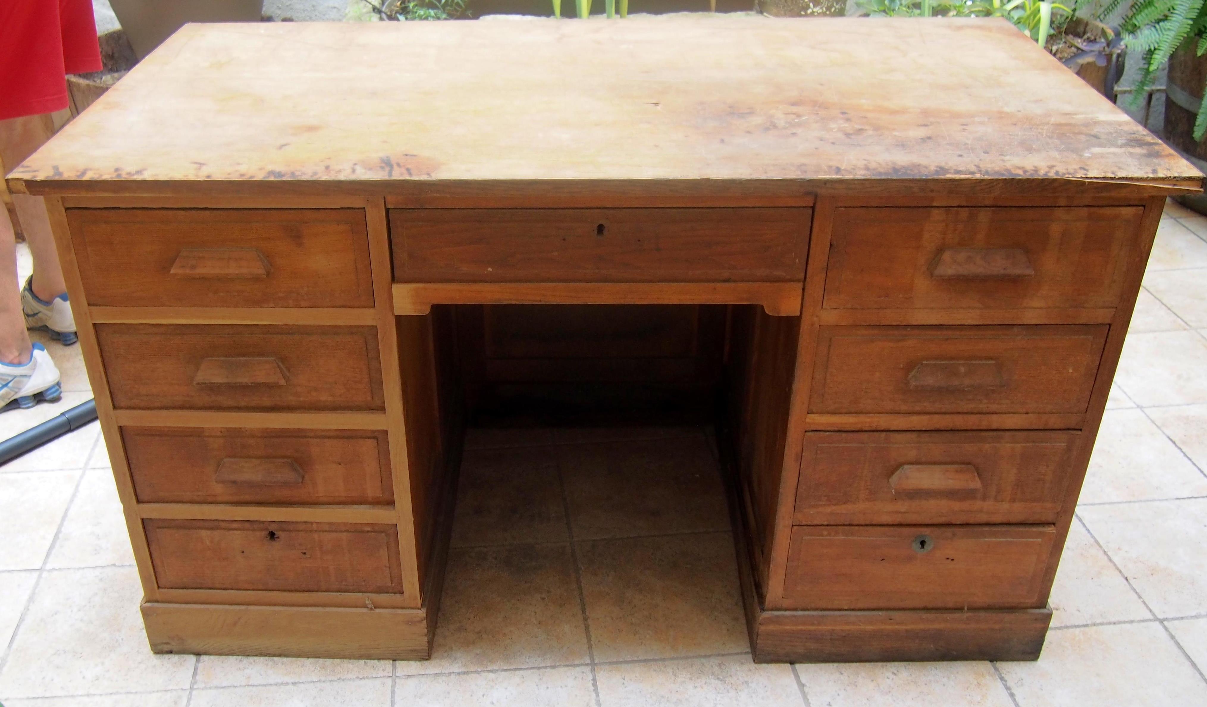 Peindre un bureau en bois Élégant repeindre un meuble en noir luxe