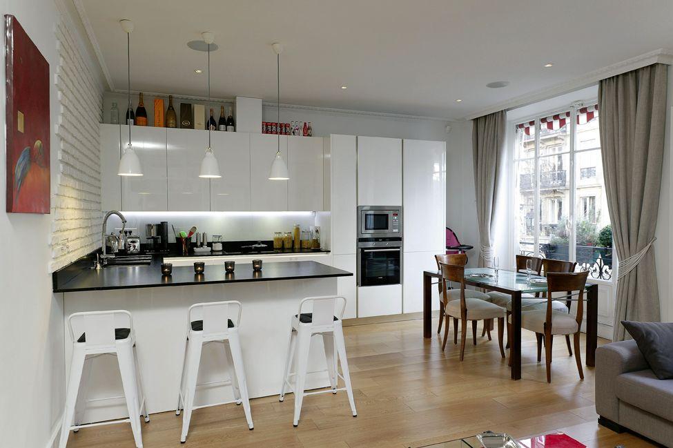 conviviale cette cuisine am ricaine cuisines et bains. Black Bedroom Furniture Sets. Home Design Ideas