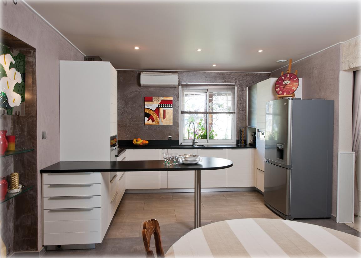 d 39 un c t et de l 39 autre cuisines et bains. Black Bedroom Furniture Sets. Home Design Ideas