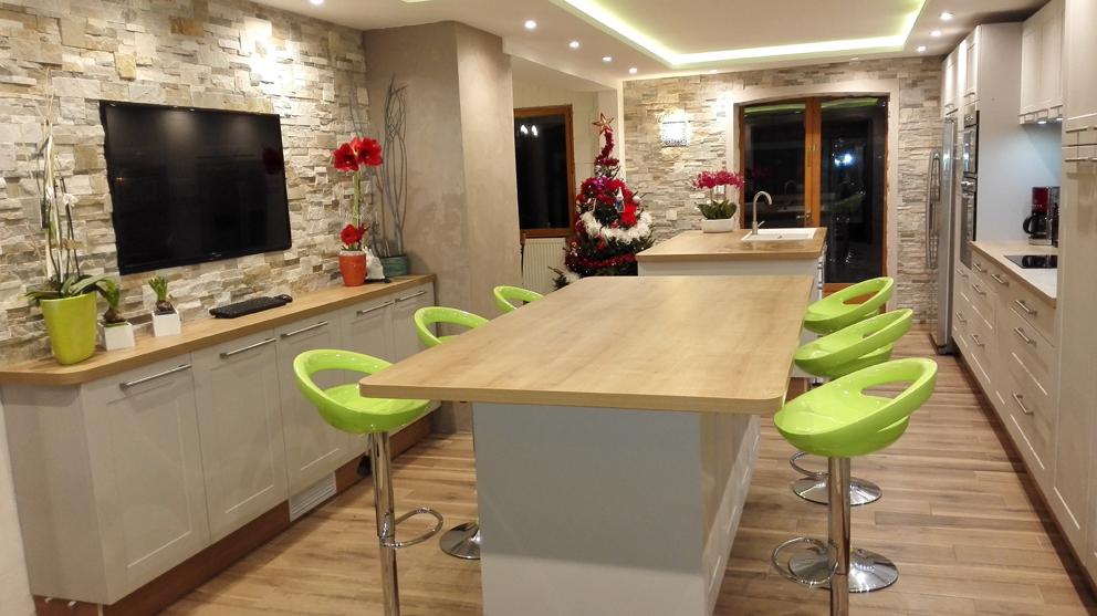 Harmonie r ussie en cuisine cuisines et bains - Meuble tv faible profondeur ...