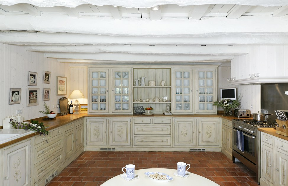 cuisine en bois 10 mod les ne pas manquer. Black Bedroom Furniture Sets. Home Design Ideas