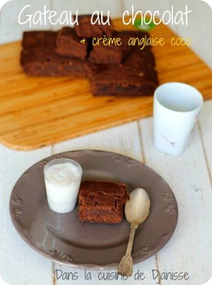 Gâteau au chocolat sans gluten et crème anglaise à la coco