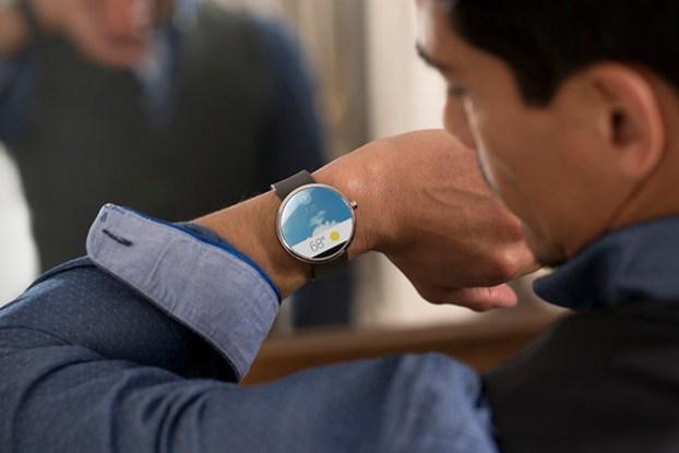 Motorola-Moto-360-Smartwatch-2