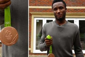 john-obi-mikel-shows-off-his-olympic-bronze-medal_1d15fot3ujsuc1nj4yg831v65k
