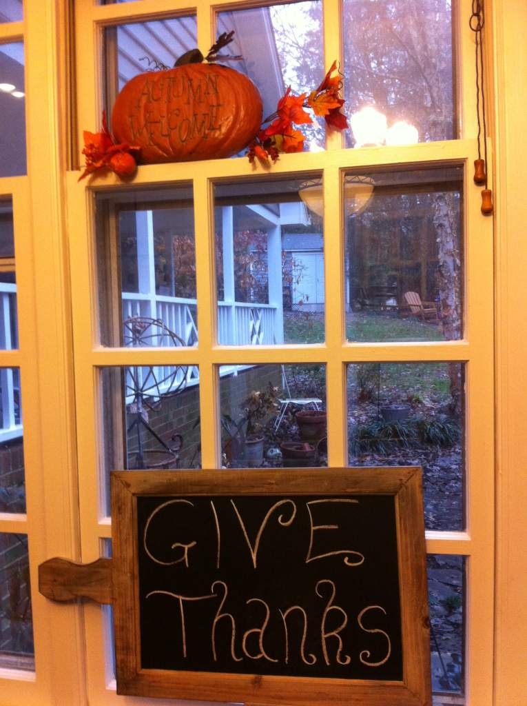 Give Thanks - Thanksgiving decorations