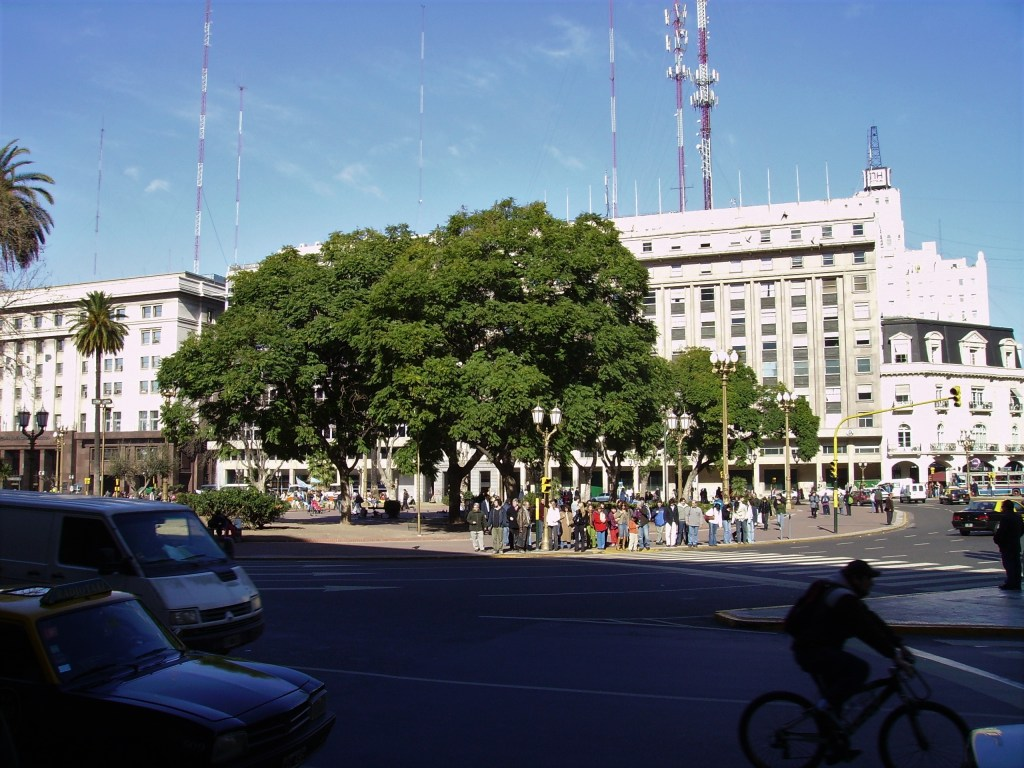 Large intersection in Buenos Aires